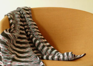 Multi color Ikat sjaal zwart-rood en wit