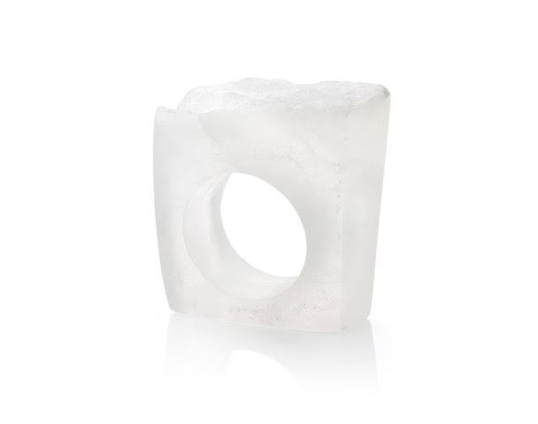 White alabast ring