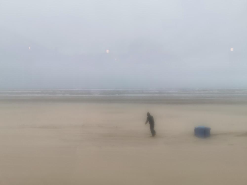 figuurtje op het strand